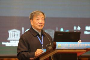 Liu-Jiaqi-giving-an-presentation